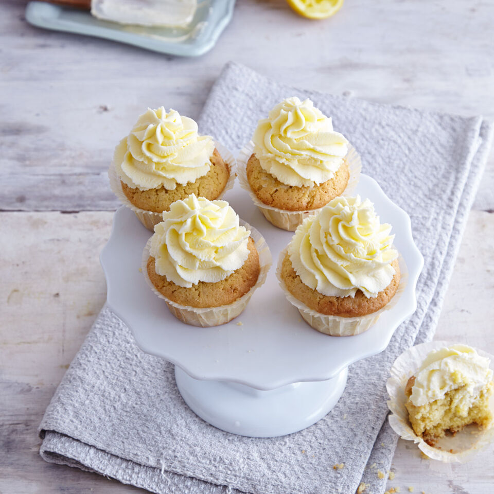 zitronencupcakes rezept glutenfrei k cheng tter. Black Bedroom Furniture Sets. Home Design Ideas