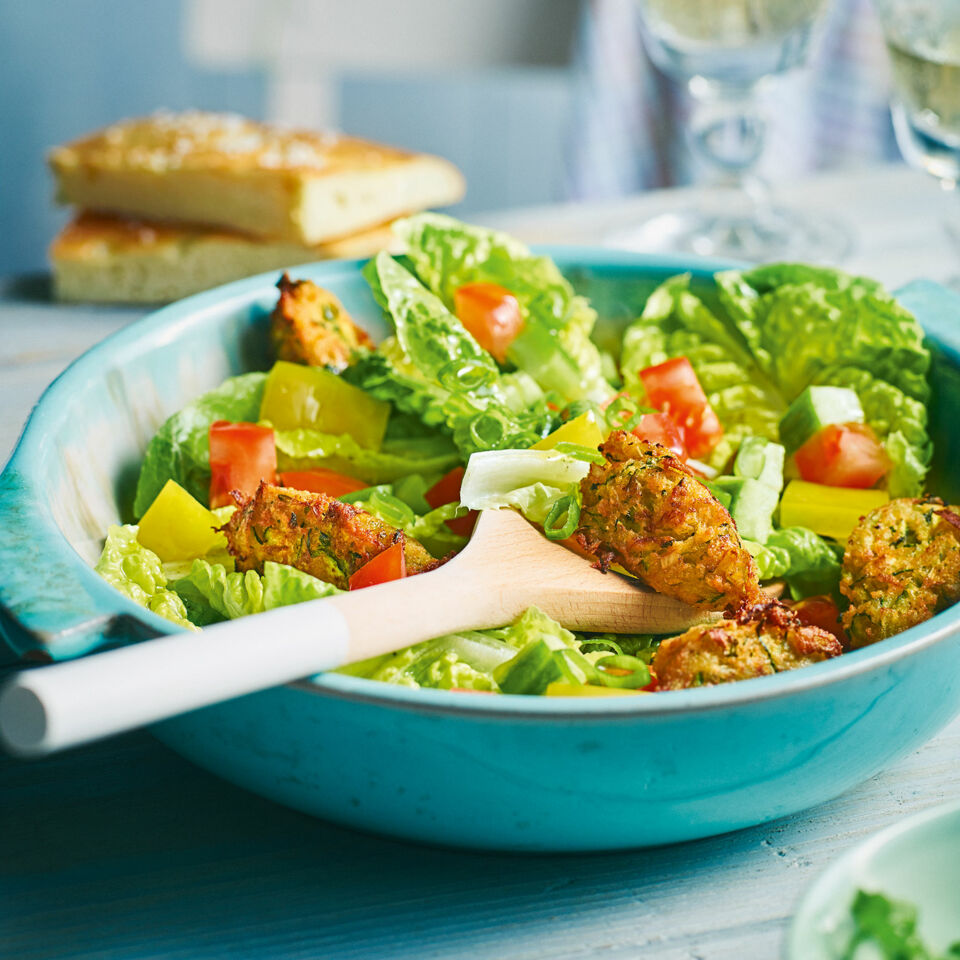 Nuggets Kcal: Sommersalat Mit Zucchini-Nuggets Rezept