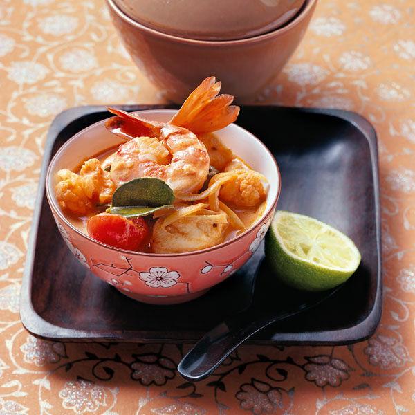 fischeintopf mit blumenkohl curry und kokosmilch rezept k cheng tter. Black Bedroom Furniture Sets. Home Design Ideas