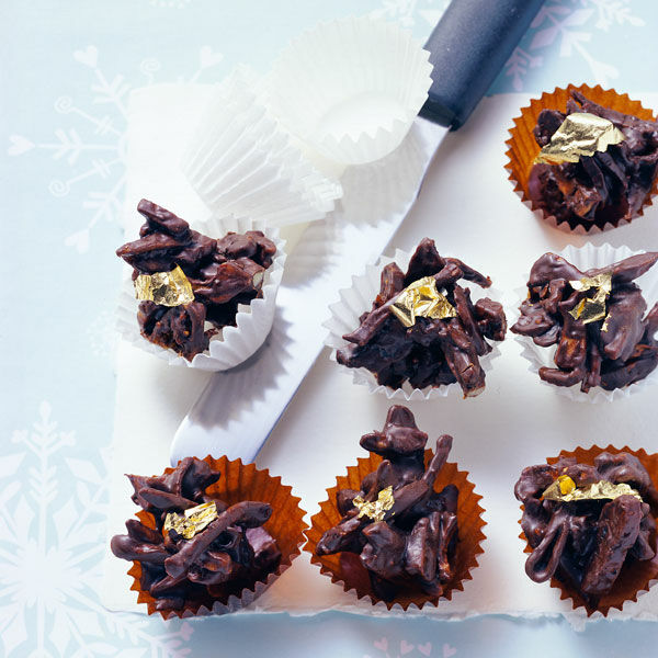 d rrobst praline mit schokolade und blattgold rezept k cheng tter. Black Bedroom Furniture Sets. Home Design Ideas