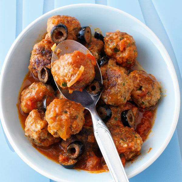 hackb llchen in tomaten oliven sauce rezept k cheng tter. Black Bedroom Furniture Sets. Home Design Ideas