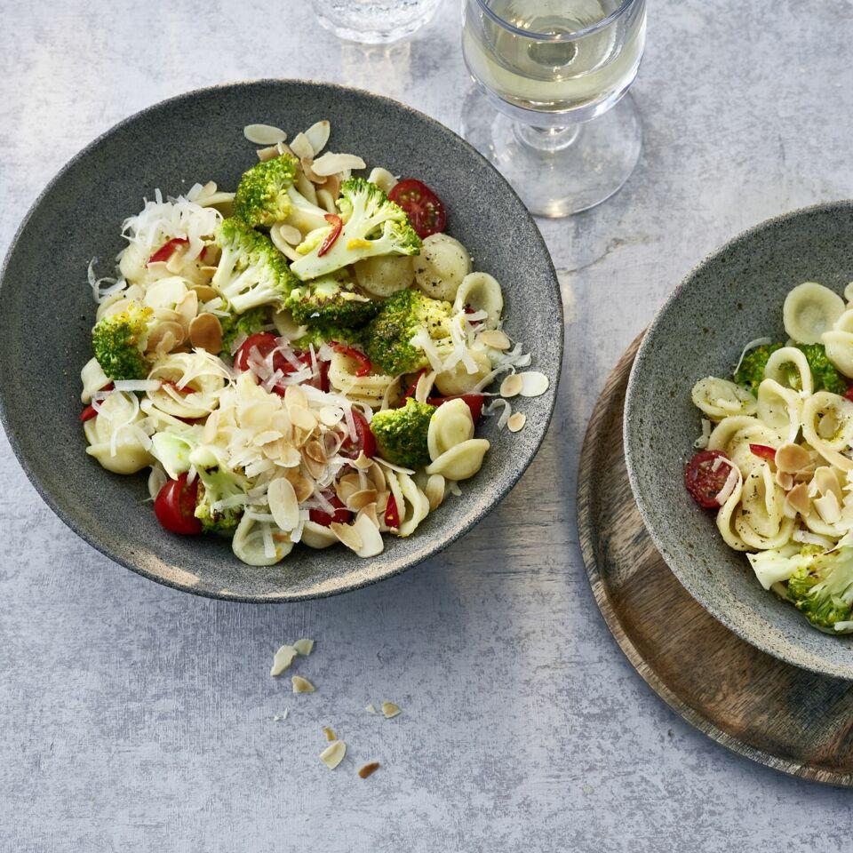 Orecchiette mit Brokkoli und Kirschtomaten