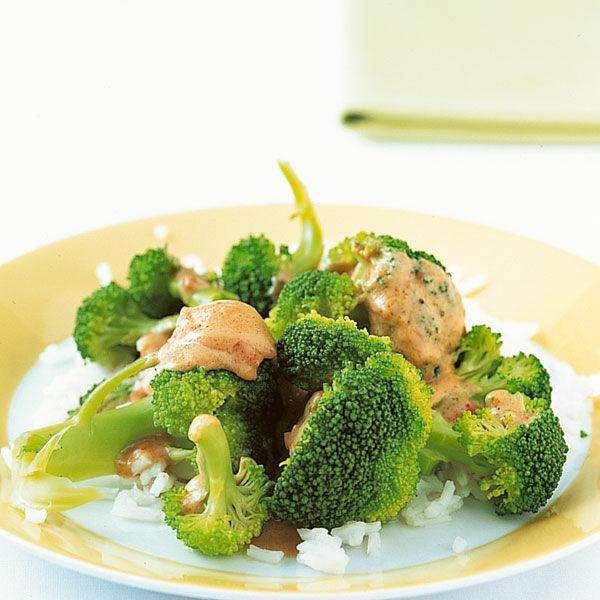 brokkoli mit sat sauce rezept k cheng tter. Black Bedroom Furniture Sets. Home Design Ideas