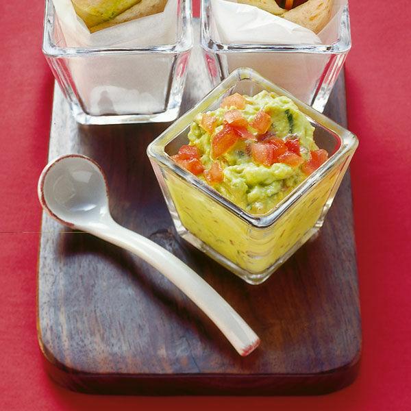 Guacamole Mit Tomaten Und Koriander Rezept Küchengötter