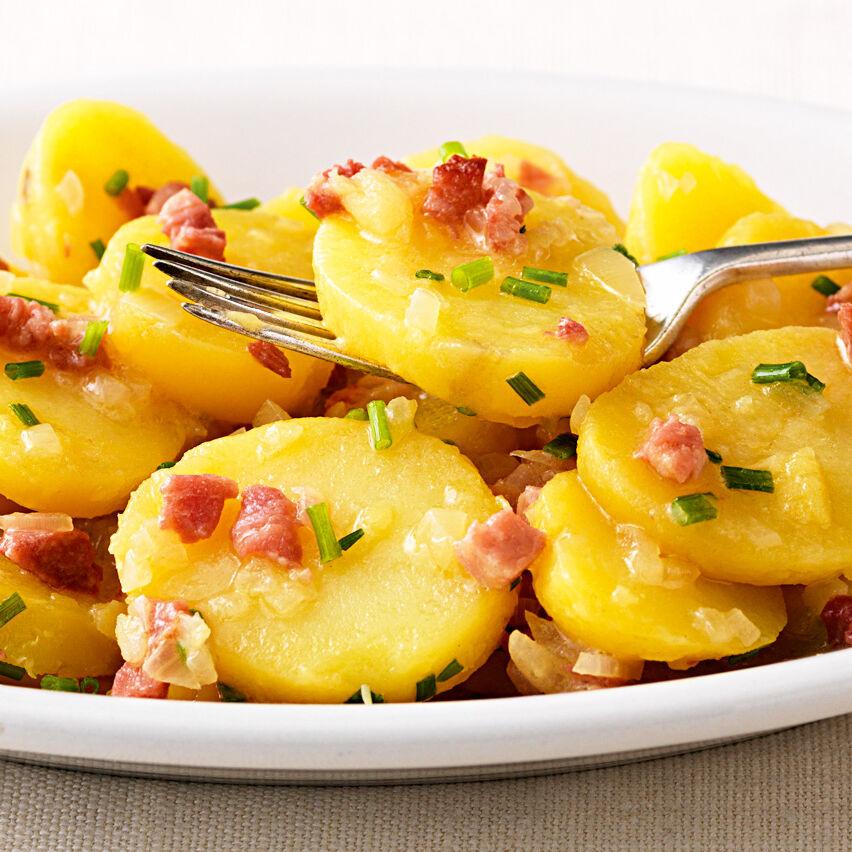Schw 228 Bischer Kartoffelsalat Mit Speck Rezept K 252 Cheng 246 Tter