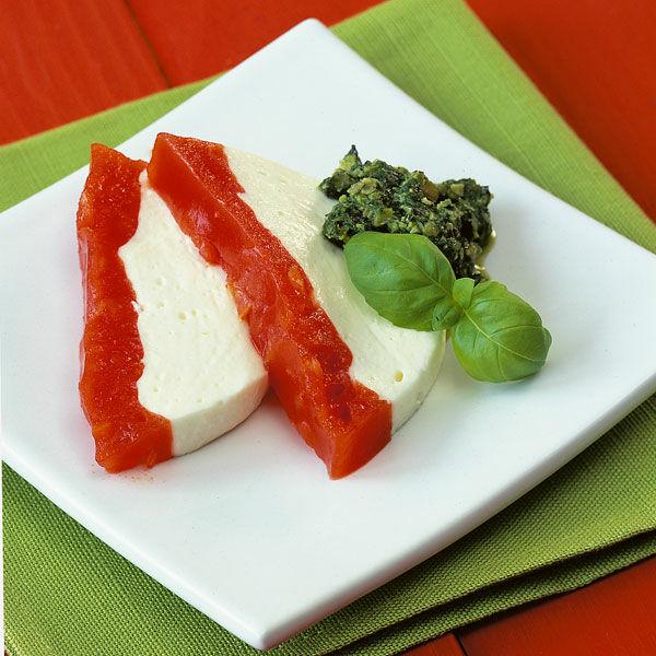 frischk se tomaten terrine mit k rbiskern pesto rezept k cheng tter. Black Bedroom Furniture Sets. Home Design Ideas