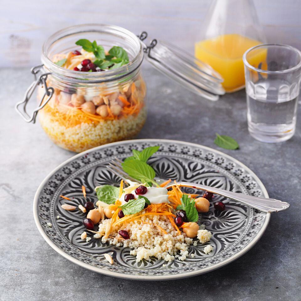 m hren couscous salat mit kichererbsen rezept k cheng tter. Black Bedroom Furniture Sets. Home Design Ideas