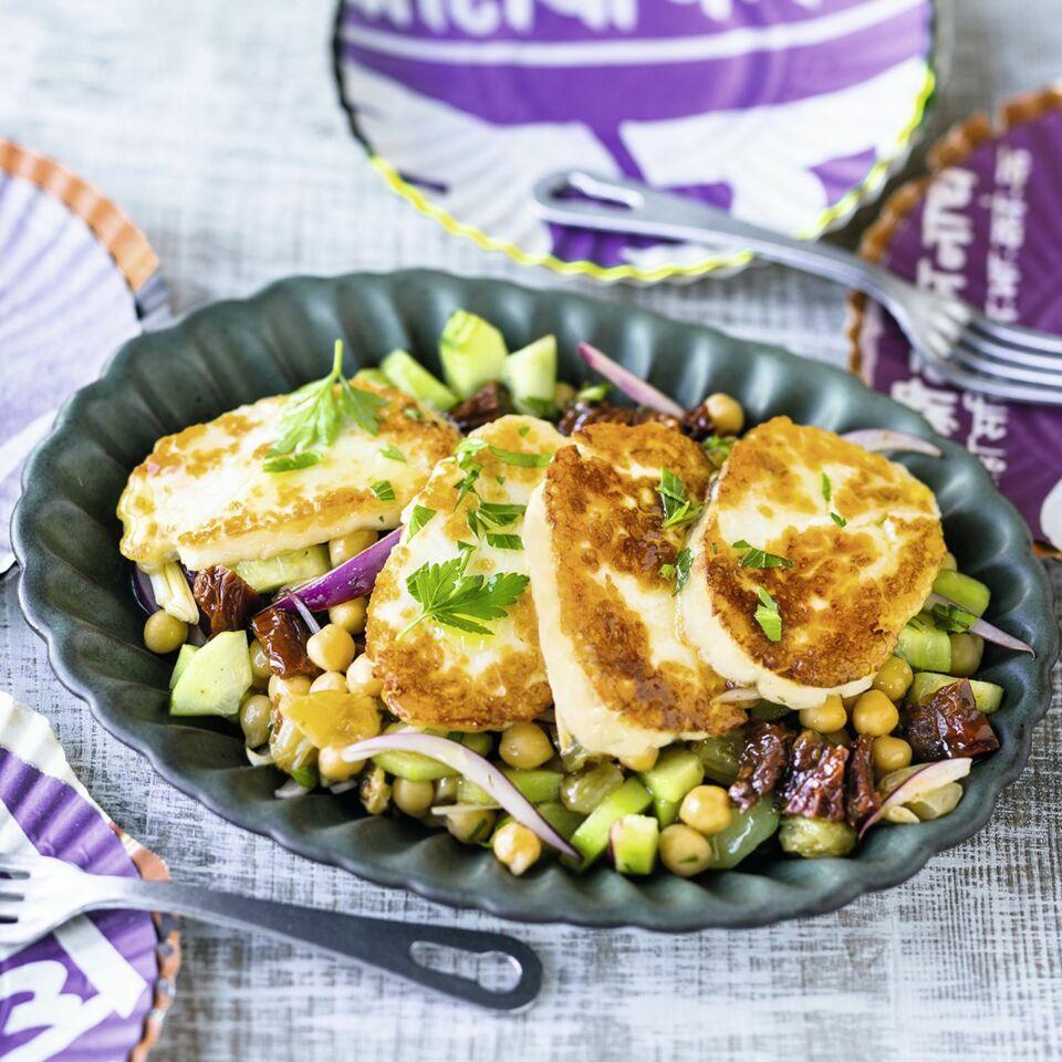 Halloumi-Kichererbsen-Salat Rezept | Küchengötter