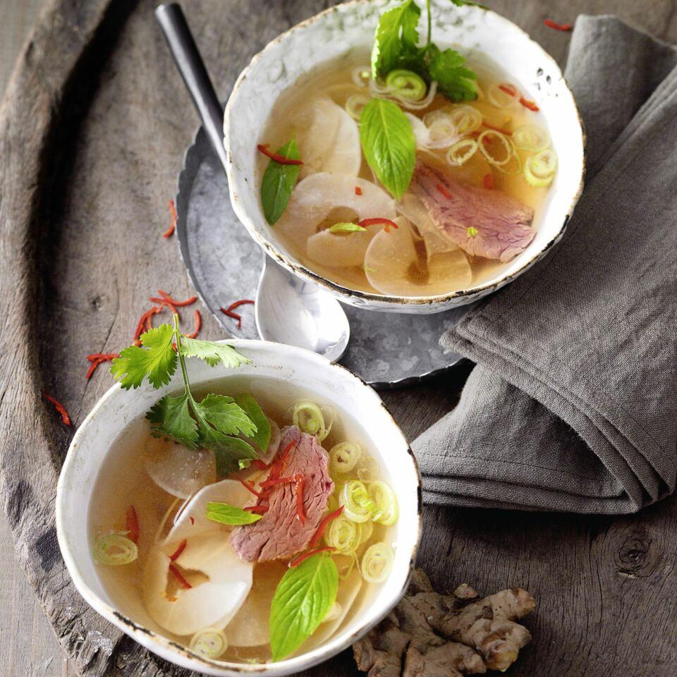 vietnamesische pho bo suppe mit r bennudeln rezept k cheng tter. Black Bedroom Furniture Sets. Home Design Ideas