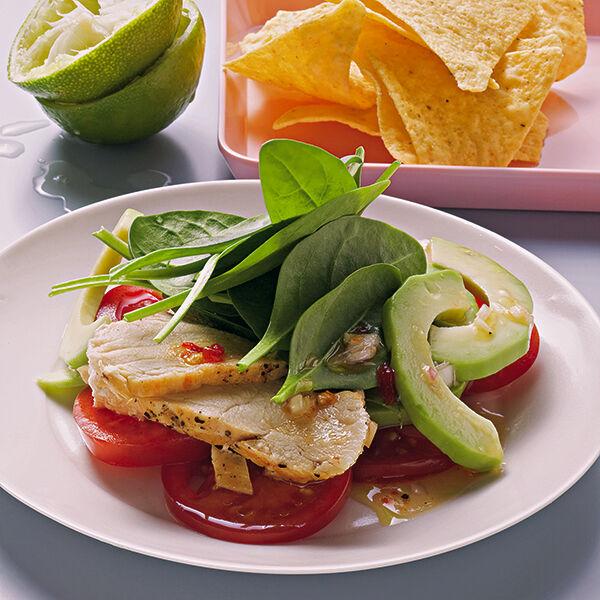 avocado tomaten salat mit h hnchenbrust rezept k cheng tter. Black Bedroom Furniture Sets. Home Design Ideas