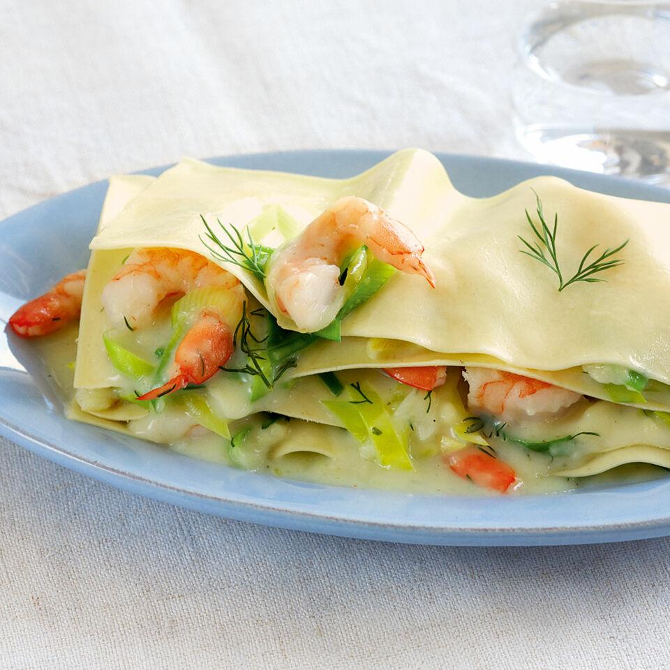 Blitz-Lasagne mit Lauch und Garnelen Rezept | Küchengötter