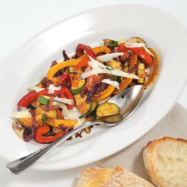 zucchini paprika salat rezept k cheng tter. Black Bedroom Furniture Sets. Home Design Ideas