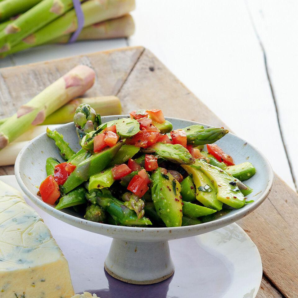 rezept f r avocado spargel salat k cheng tter. Black Bedroom Furniture Sets. Home Design Ideas
