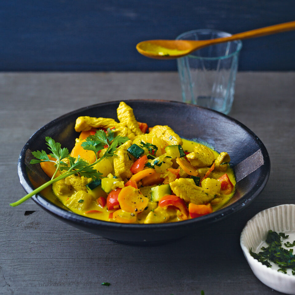 gem se ananas curry mit putenbruststreifen rezept k cheng tter. Black Bedroom Furniture Sets. Home Design Ideas