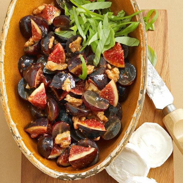 fruchtiger salat mit gebackenem k se rezept k cheng tter. Black Bedroom Furniture Sets. Home Design Ideas