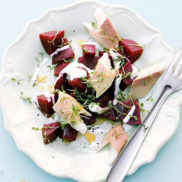 rote bete salat mit r ucherforelle rezept k cheng tter. Black Bedroom Furniture Sets. Home Design Ideas