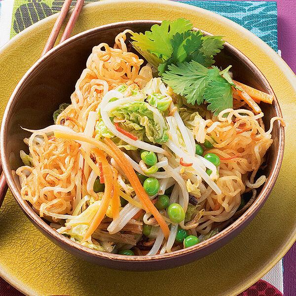 vegetarische gebratene asia nudeln rezept k cheng tter. Black Bedroom Furniture Sets. Home Design Ideas