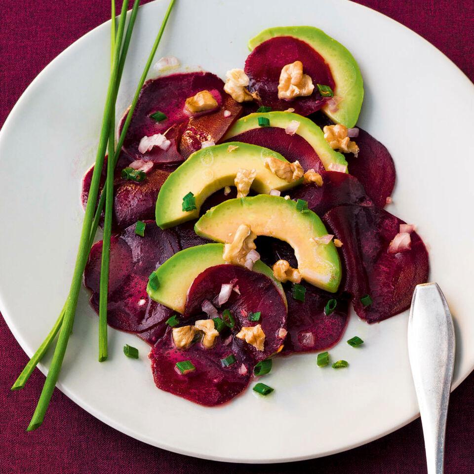 rote bete salat mit avocado rezept k cheng tter. Black Bedroom Furniture Sets. Home Design Ideas