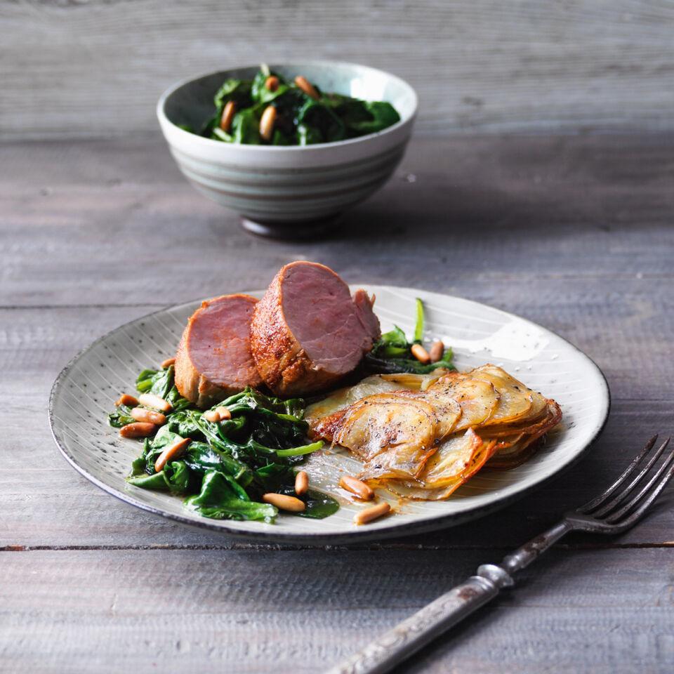 rezept f r pork tenderloin mit kartoffelgratin und spinat k cheng tter. Black Bedroom Furniture Sets. Home Design Ideas