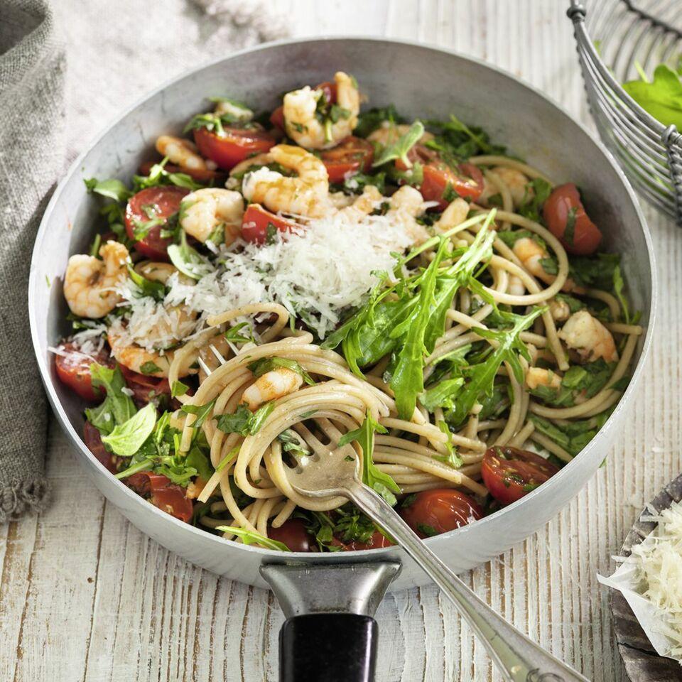 spaghetti mit shrimps rezept low carb k cheng tter. Black Bedroom Furniture Sets. Home Design Ideas