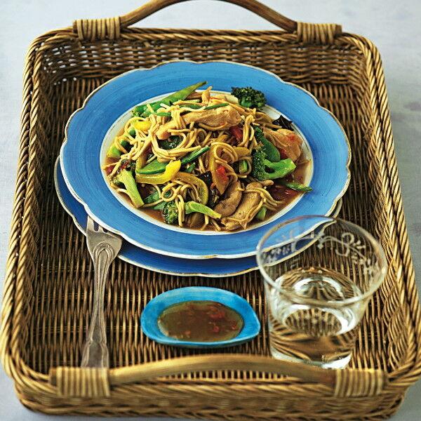 h hnchen nudel wok rezept k cheng tter. Black Bedroom Furniture Sets. Home Design Ideas