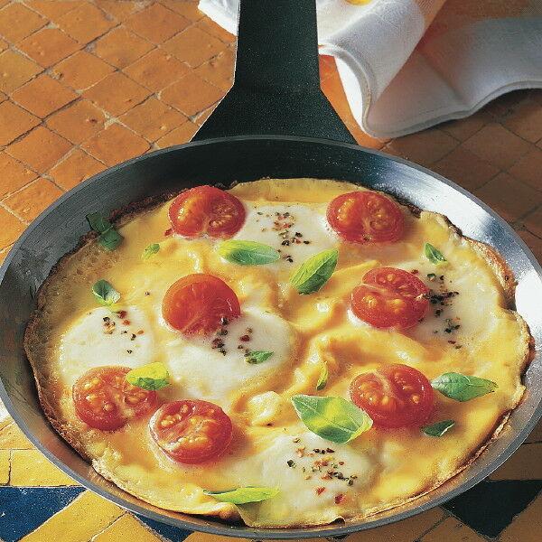 tomaten omelett mit mozzarella rezept k cheng tter. Black Bedroom Furniture Sets. Home Design Ideas