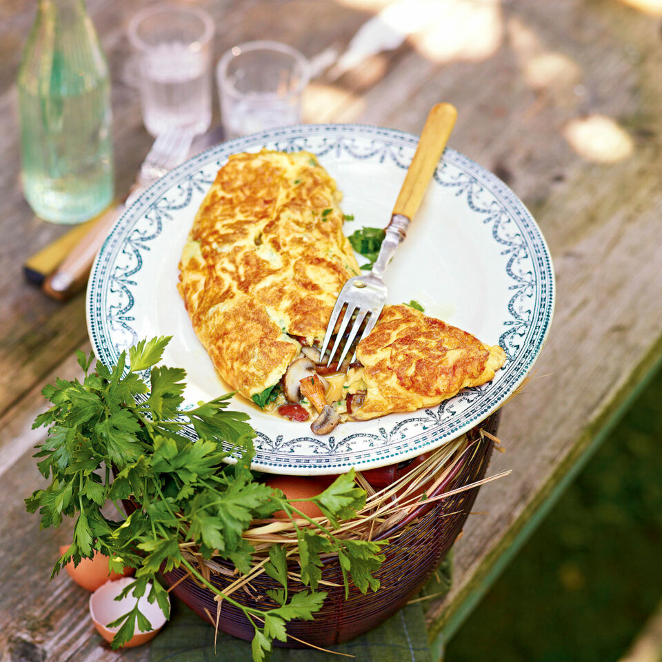 omelette mit pilzen rezept frankreich k cheng tter. Black Bedroom Furniture Sets. Home Design Ideas