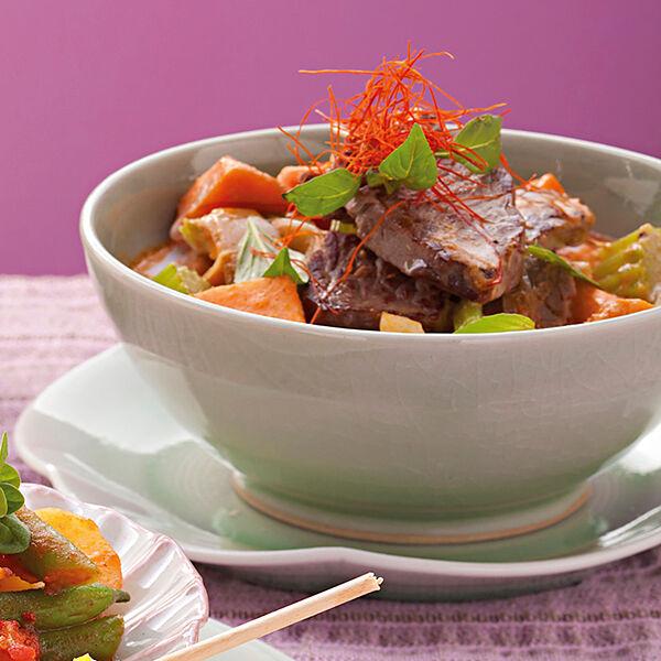 rindfleisch curry mit s kartoffel und sellerie rezept k cheng tter. Black Bedroom Furniture Sets. Home Design Ideas