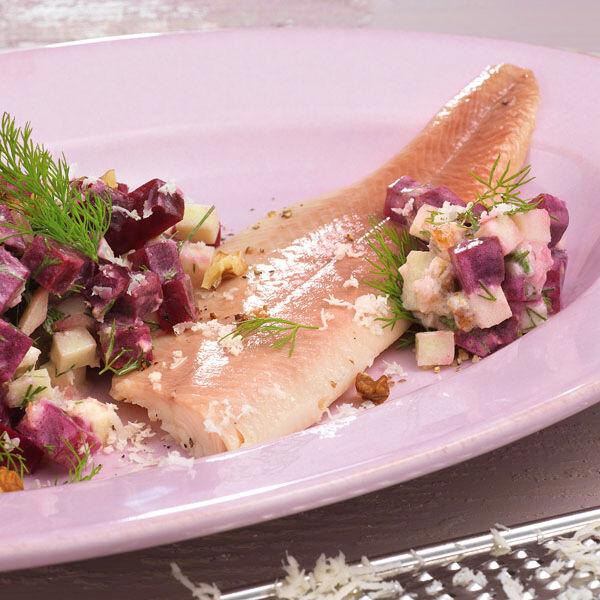 rote bete salat mit fisch rezept k cheng tter. Black Bedroom Furniture Sets. Home Design Ideas