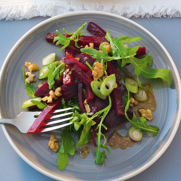 rote bete salat mit n ssen rezept k cheng tter. Black Bedroom Furniture Sets. Home Design Ideas