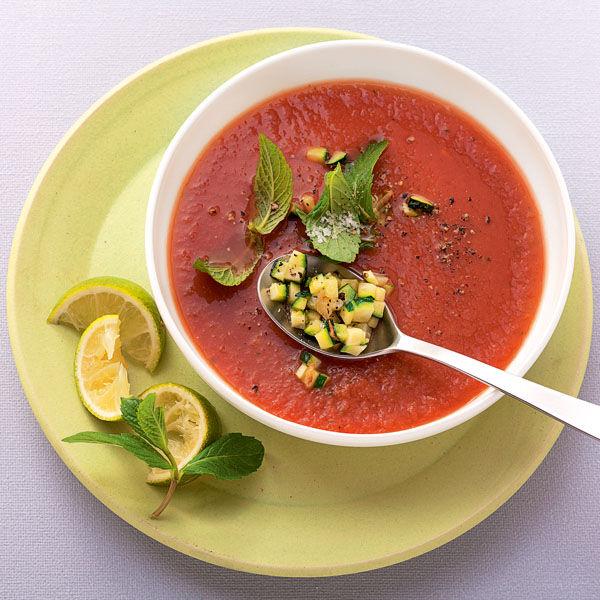 zucchini gazpacho mit limette rezept k cheng tter. Black Bedroom Furniture Sets. Home Design Ideas