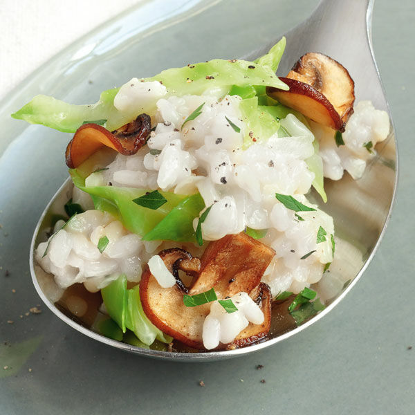 spitzkohl risotto mit pilzen rezept k cheng tter. Black Bedroom Furniture Sets. Home Design Ideas