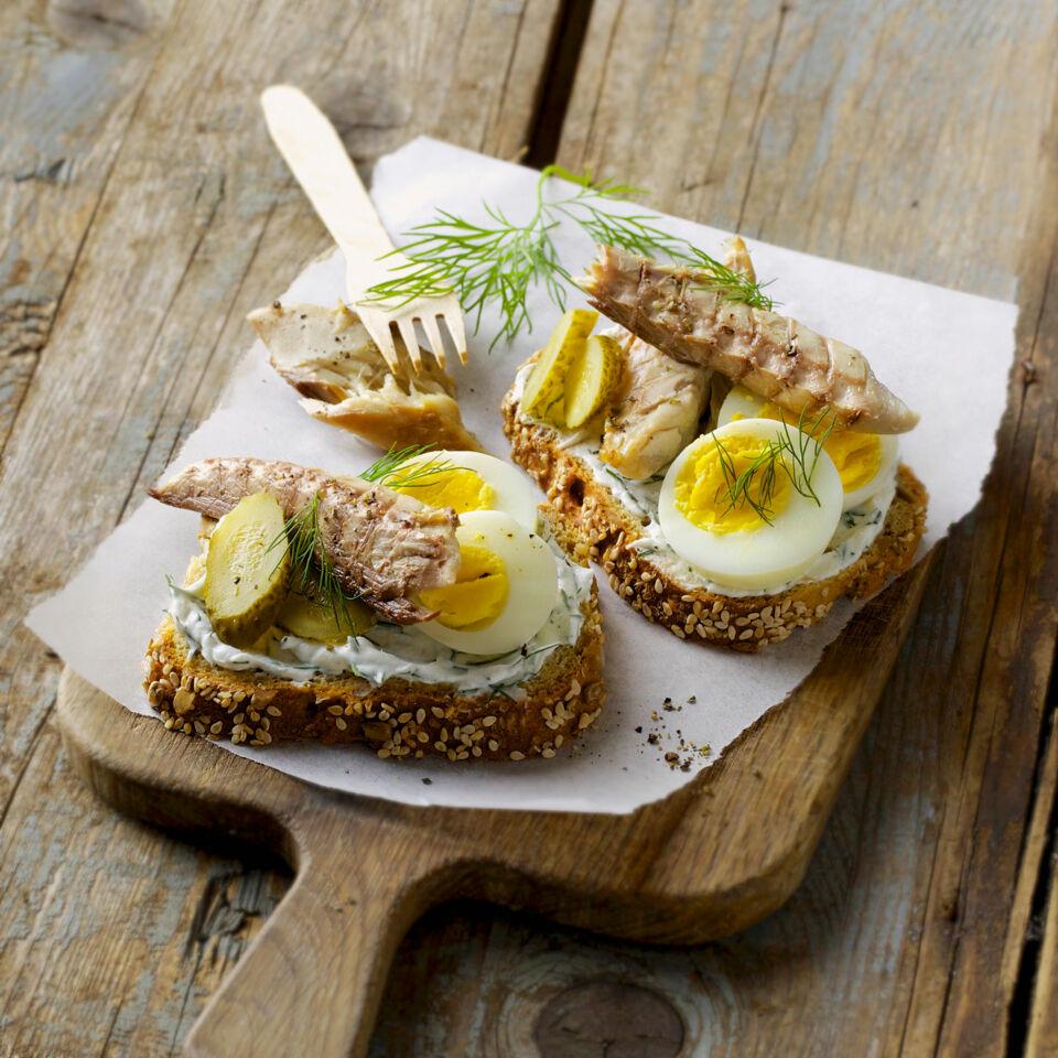 Stullen mit Makrele und Ei Rezept | Küchengötter