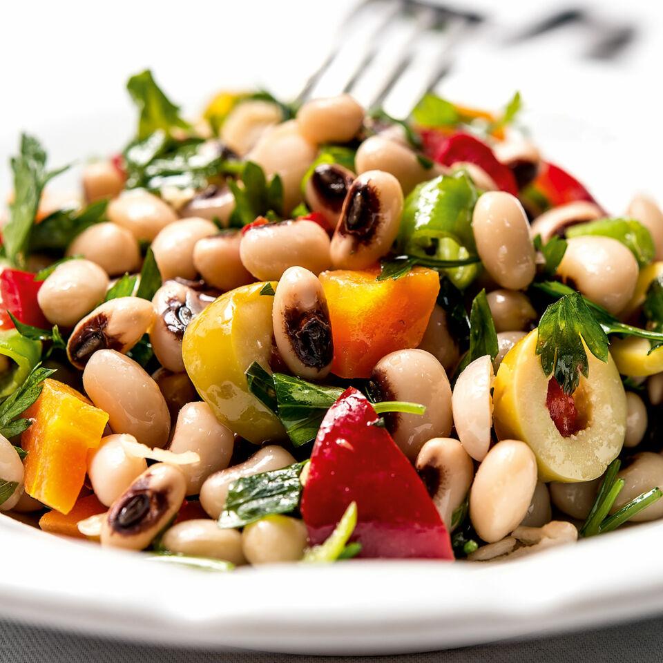 Salat aus Augenbohnen – türkische Meze Rezept | Küchengötter