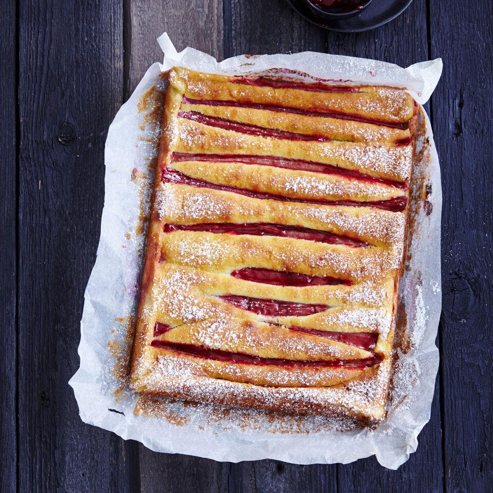 polenta kuchen mit rhabarber rezept glutenfrei k cheng tter. Black Bedroom Furniture Sets. Home Design Ideas