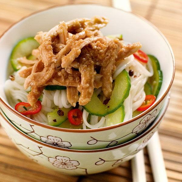 asia sesam h hnchen salat rezept k cheng tter. Black Bedroom Furniture Sets. Home Design Ideas