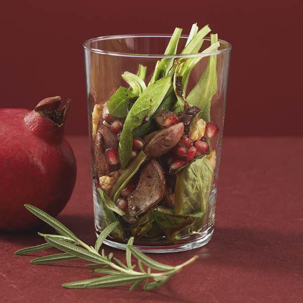 schichtsalat mit h hnerleber und granatapfel rezept k cheng tter. Black Bedroom Furniture Sets. Home Design Ideas
