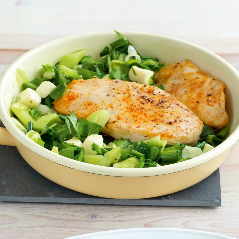 Hähnchen mit Bärlauchgemüse Rezept | Küchengötter