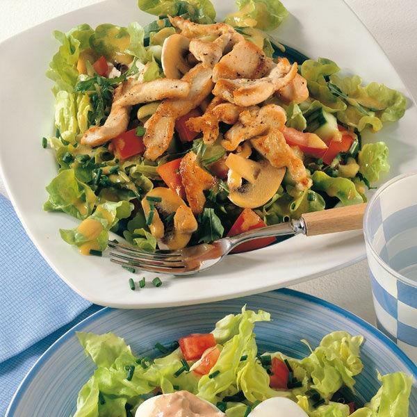gemischter salat mit gebratenem huhn rezept k cheng tter. Black Bedroom Furniture Sets. Home Design Ideas