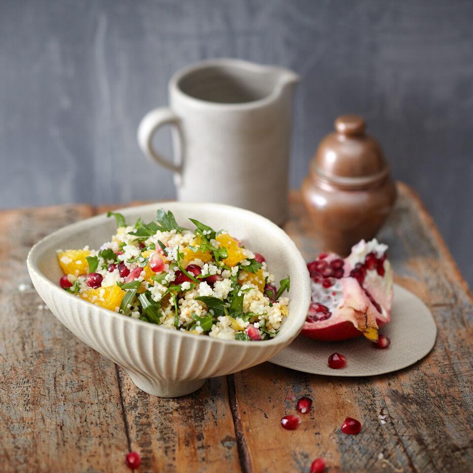 rezept f r couscous salat mit granatapfel k cheng tter. Black Bedroom Furniture Sets. Home Design Ideas