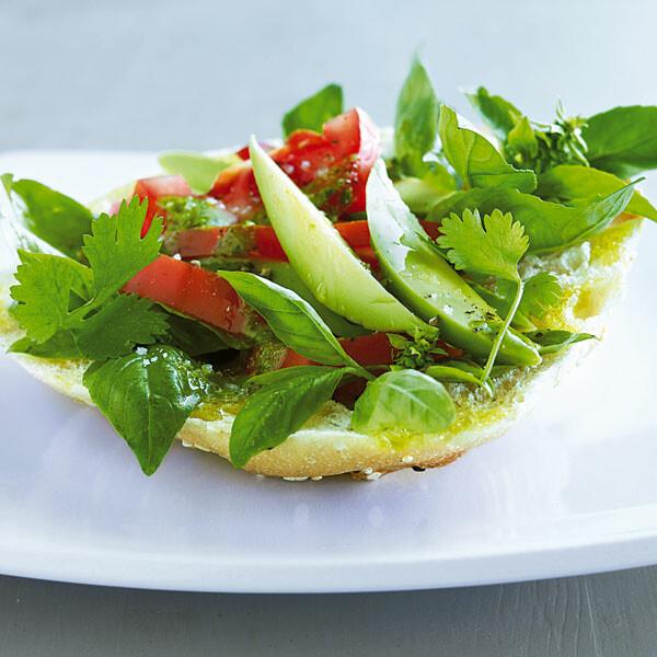 tomaten avocado salat rezept k cheng tter. Black Bedroom Furniture Sets. Home Design Ideas