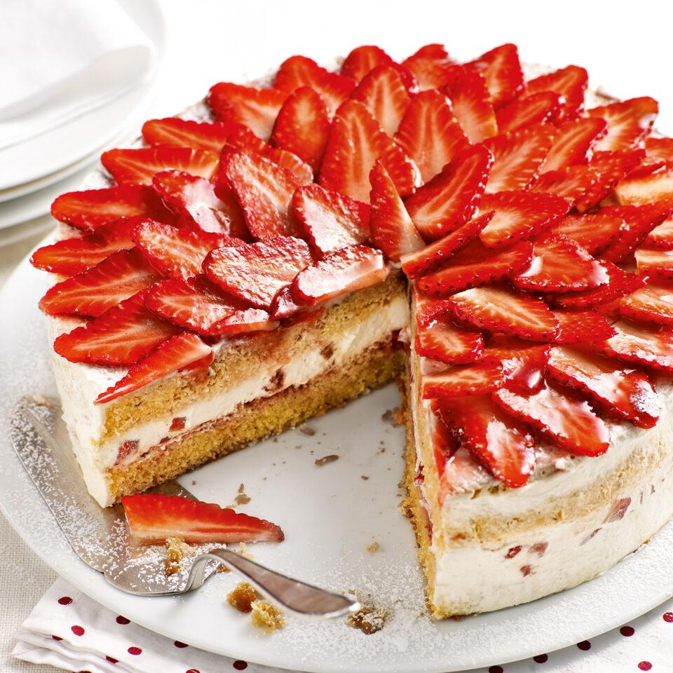 Walnuss Erdbeer Torte Rezept Kuchengotter