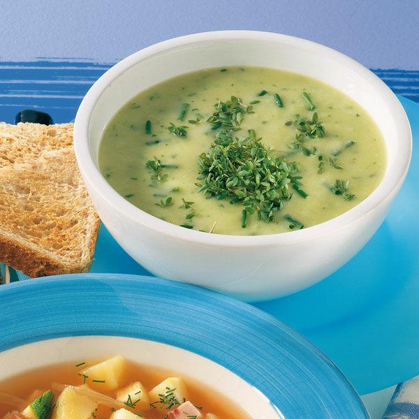 kartoffel lauch suppe mit kr utern rezept k cheng tter. Black Bedroom Furniture Sets. Home Design Ideas