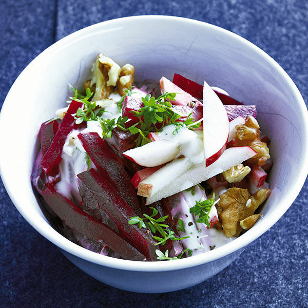 rote bete apfel salat mit meerrettich rezept k cheng tter. Black Bedroom Furniture Sets. Home Design Ideas