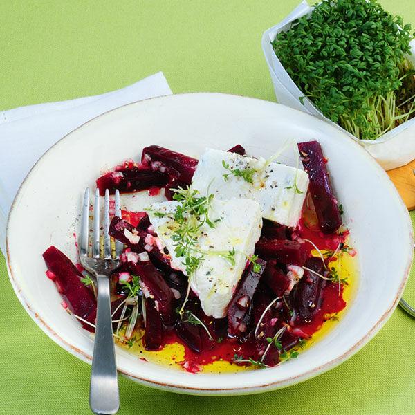 rote bete salat mit meerrettich terrine rezept k cheng tter. Black Bedroom Furniture Sets. Home Design Ideas