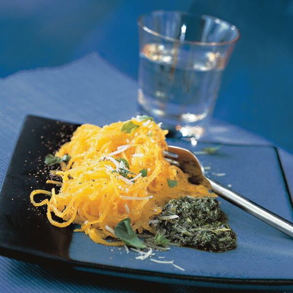 k rbis spaghetti mit pesto rezept k cheng tter. Black Bedroom Furniture Sets. Home Design Ideas