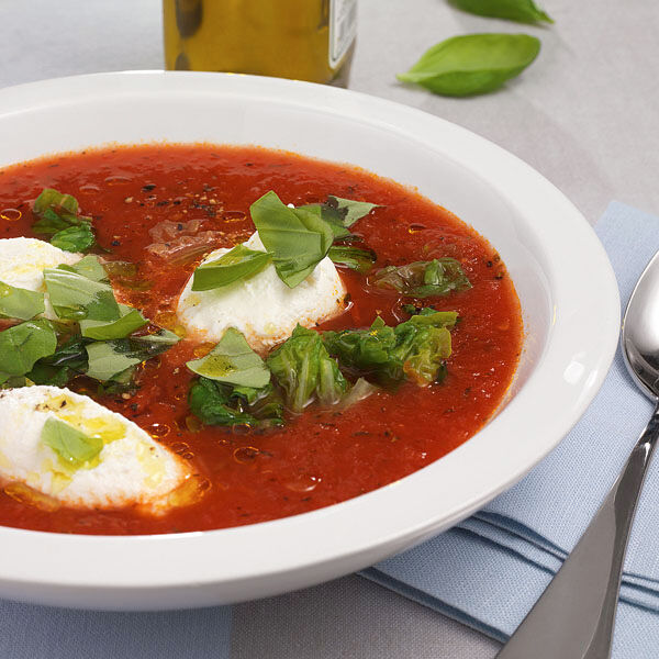 tomatensuppe mit ricotta rezept k cheng tter. Black Bedroom Furniture Sets. Home Design Ideas