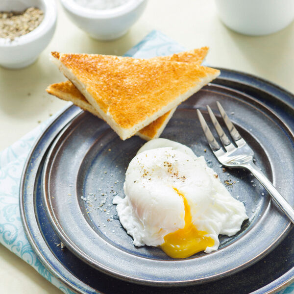 Pochierte eier rezept k cheng tter - Eier kochen mittel ...