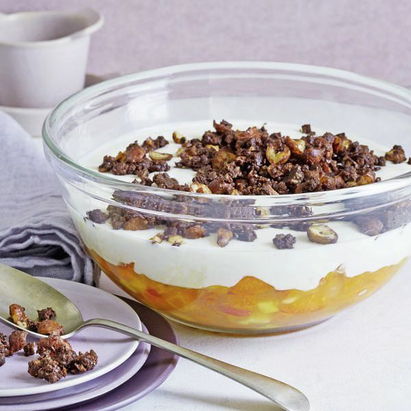aprikosen dickmilch trifle mit pumpernickel crunch rezept k cheng tter. Black Bedroom Furniture Sets. Home Design Ideas