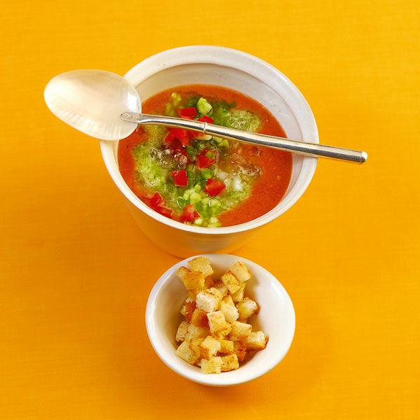 kalte strauchtomaten gurken suppe rezept k cheng tter. Black Bedroom Furniture Sets. Home Design Ideas
